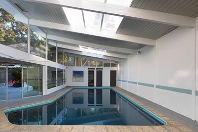 Mid-Century Modern pool