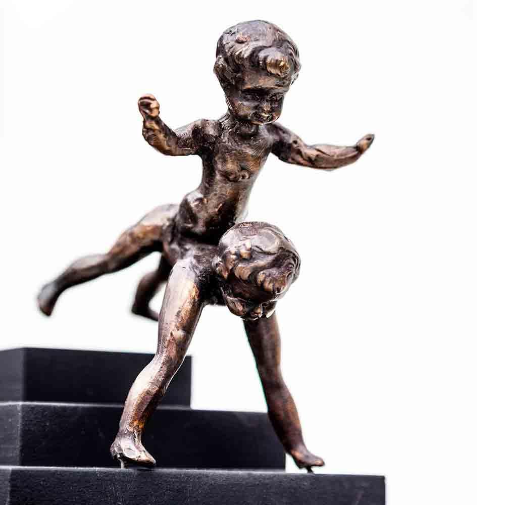 project onbevangen kinderen beeld brons