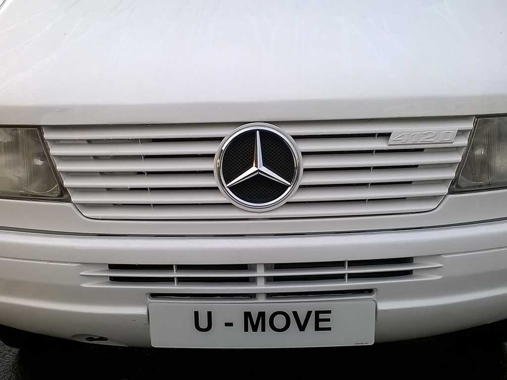 photo of u move van helping out another removals company