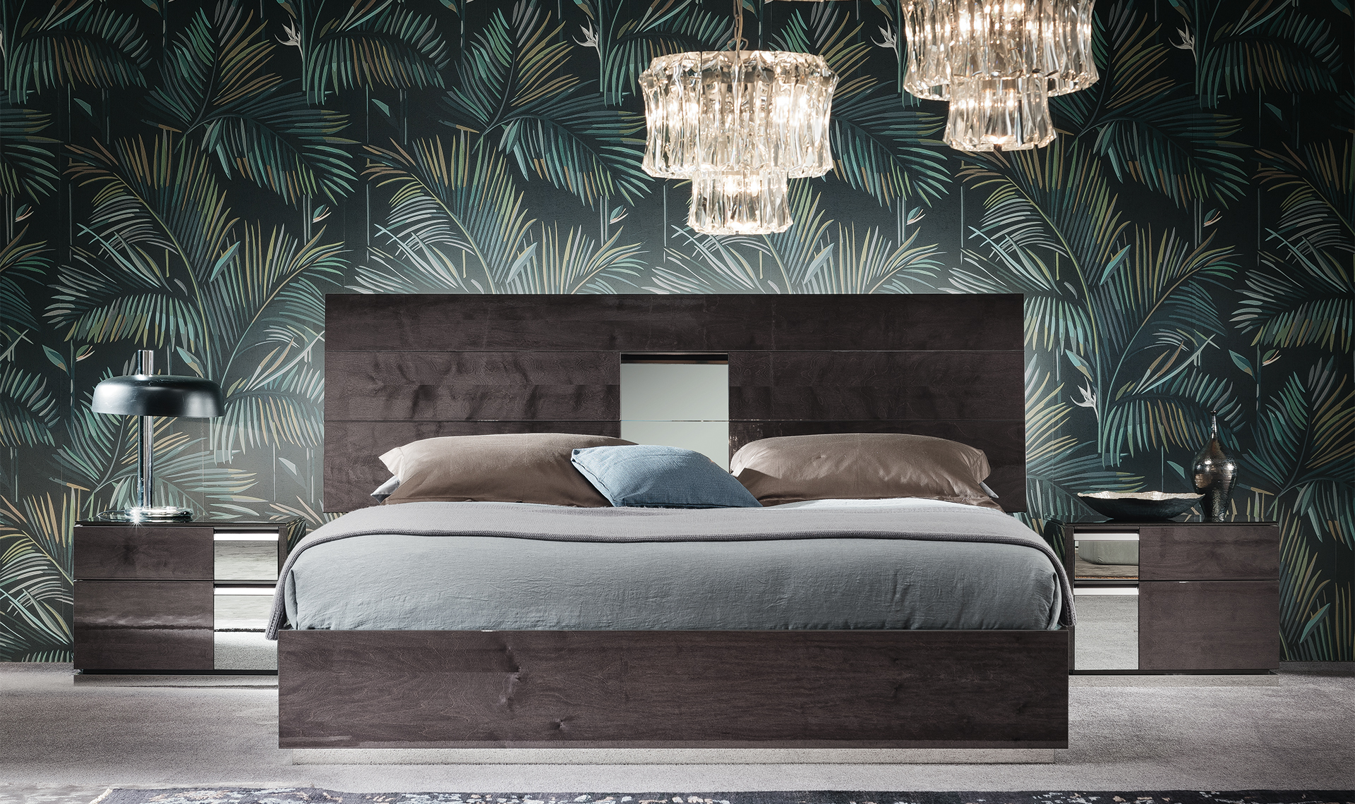 Heritage Bedroom - Straight view - bed with two night stands