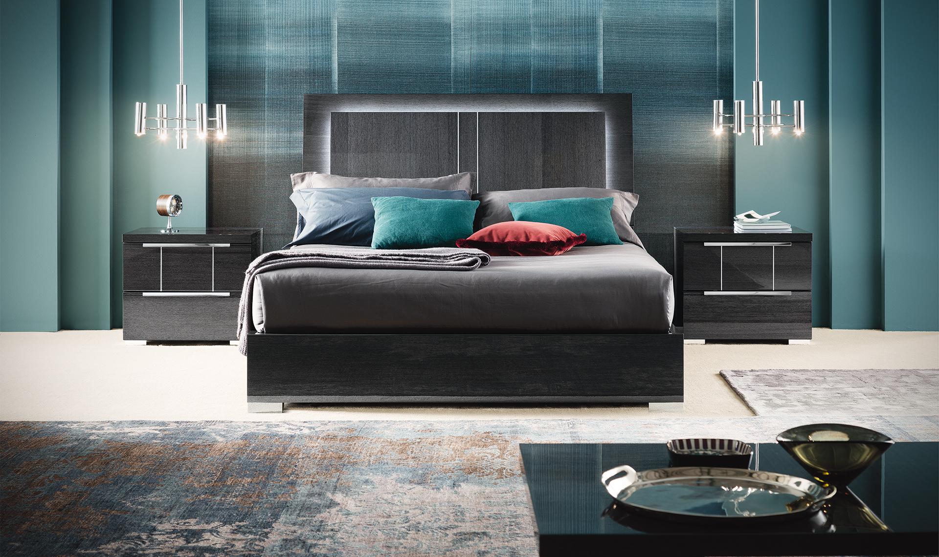 Versilia Bedroom - Straight view