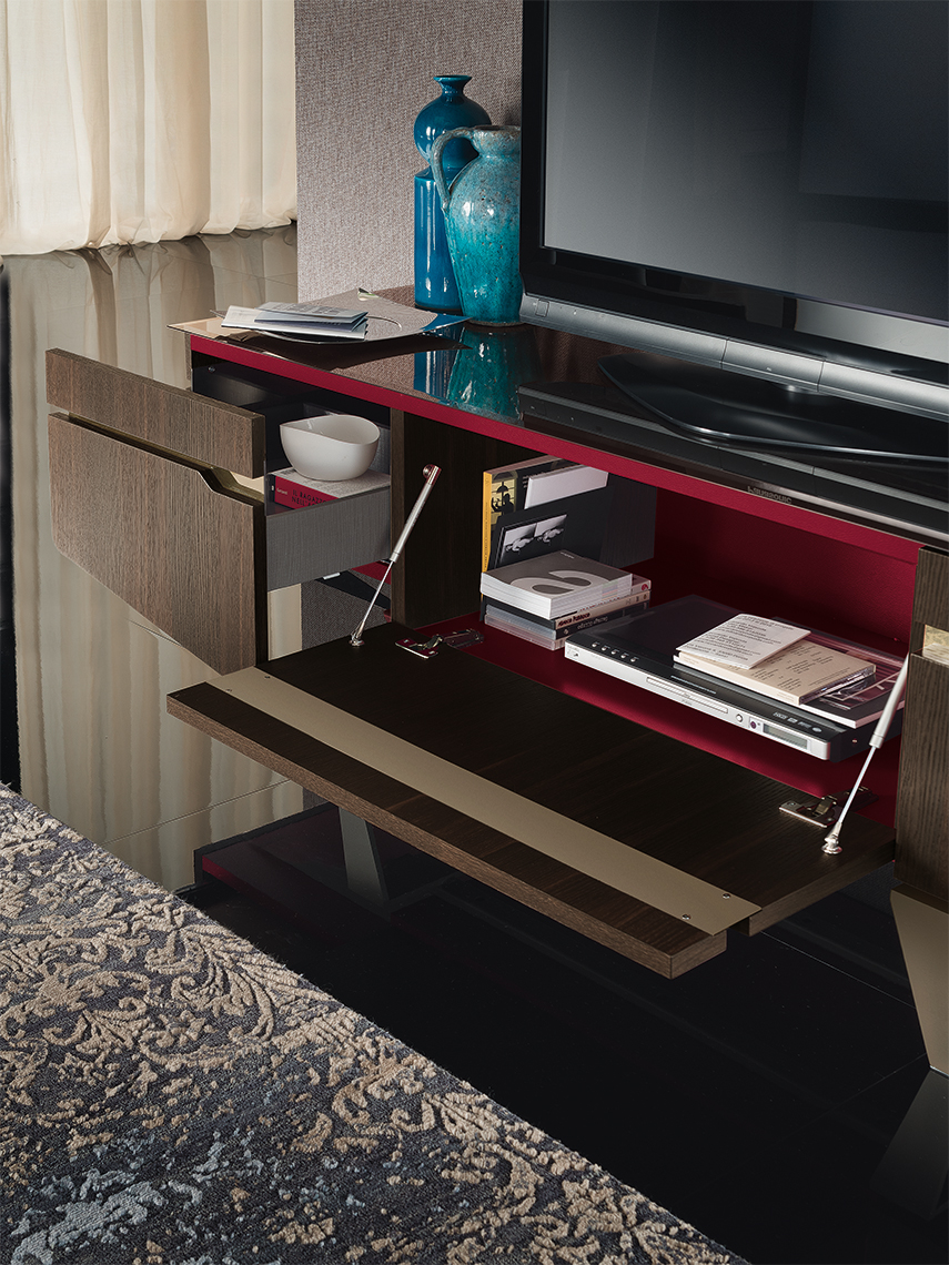 Accademia TV Base Details