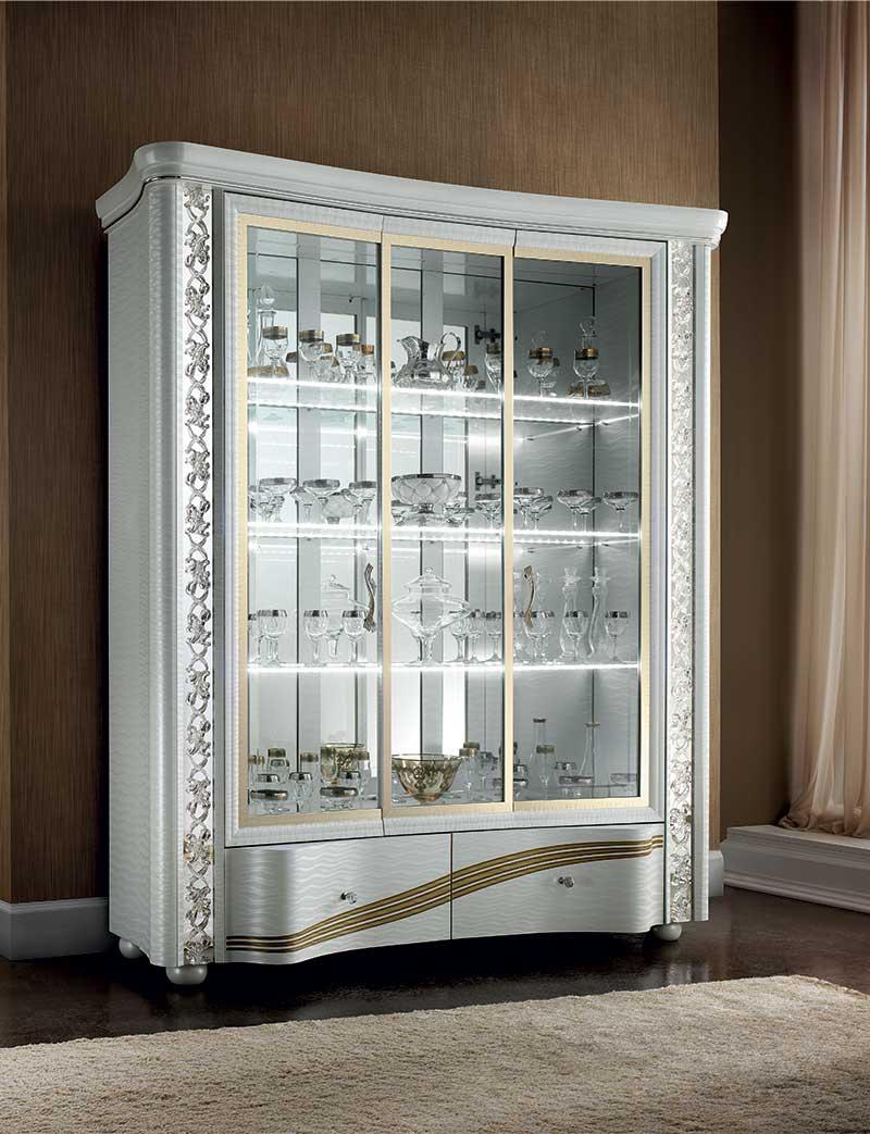 Mirò Dining room three door cabinet