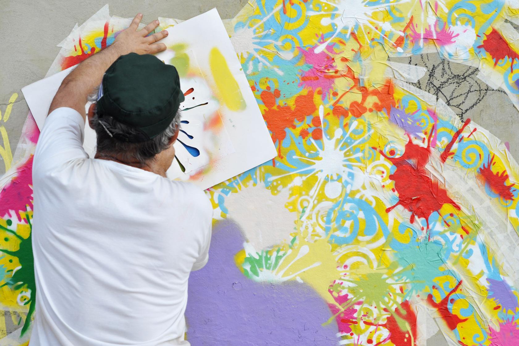 São Paulo foi tomada por uma exposição de grafite com mais de 90 pinturas na praça Roosevelt