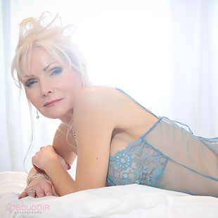 Anniversary-Boudoir-Photography-Photo-loboudoir-photography