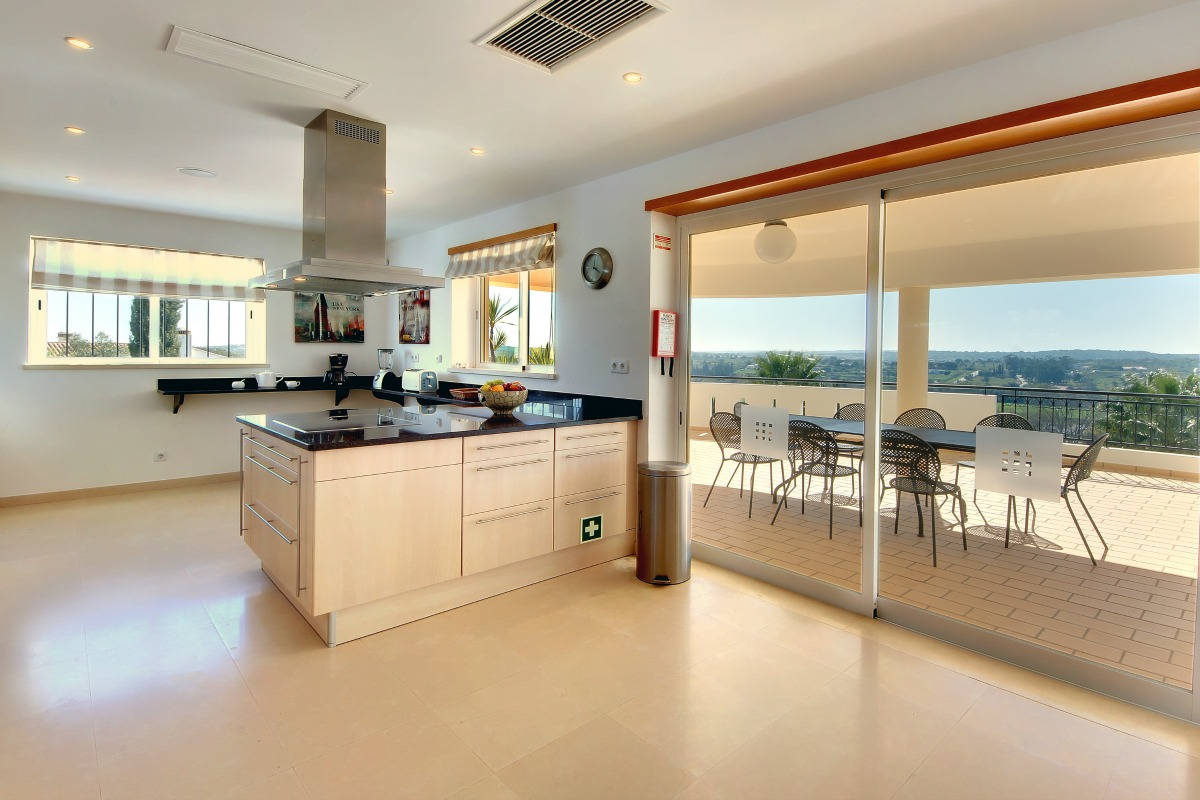 Casa Icarus Large Kitchen 2