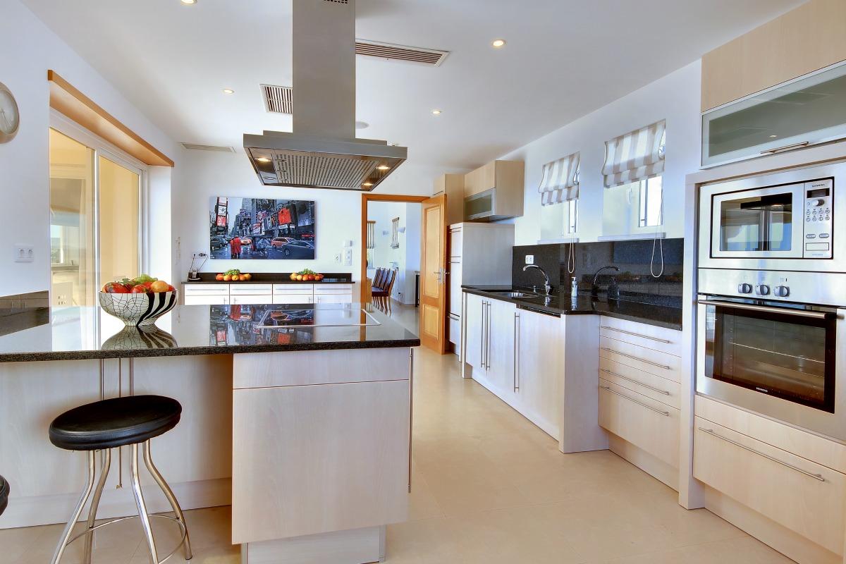 Casa Icarus Large Kitchen 1