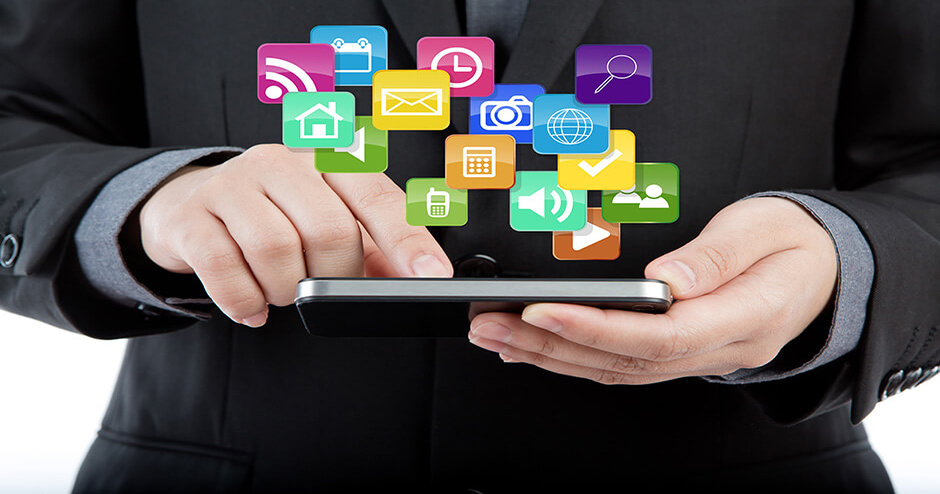 imagem de um tablet com ícones da internet em cima
