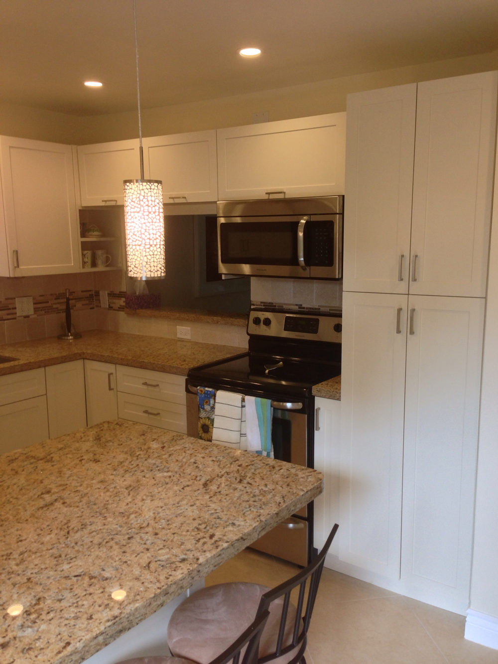 Satin Thermofoil Kitchen and Pans