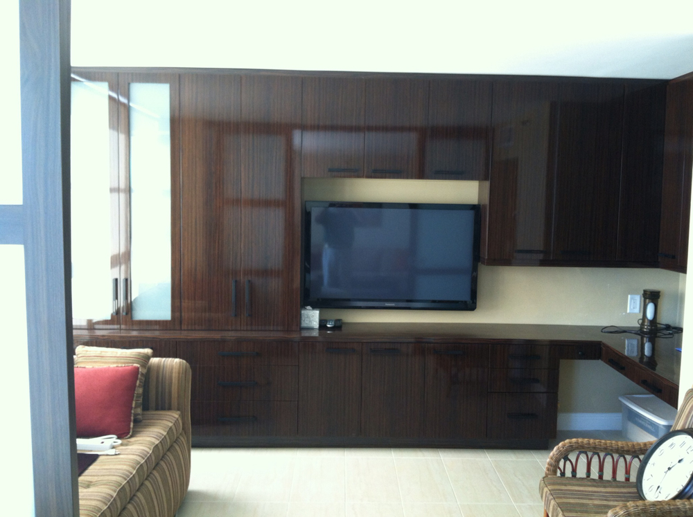 High Gloss Thermofoil Home Office/Guest Room