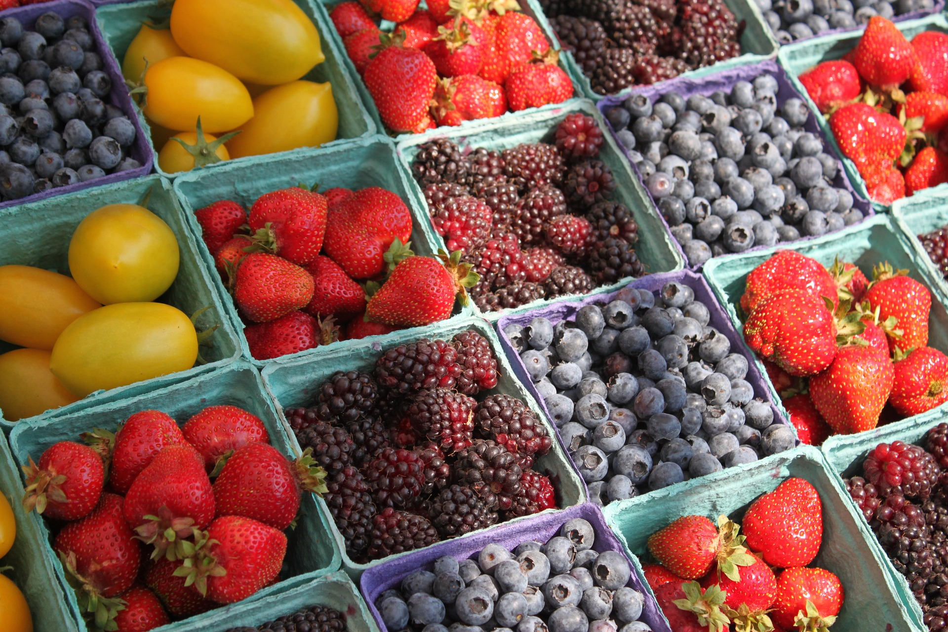 fresh produce: berries, blueberries, strawberries,blackberries