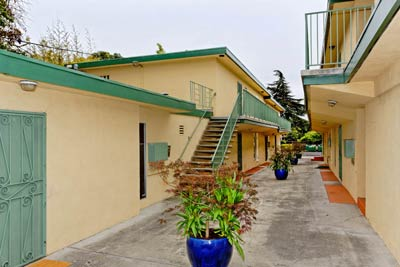 Garden-Style Apartments 06