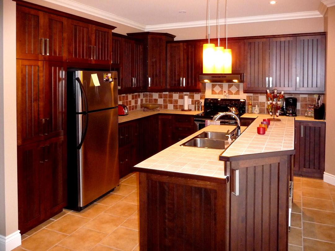 Armoire de cuisine en bois erable maison moderne for Armoire de cuisine verdun