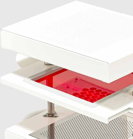 FormBox with red plastic sheet