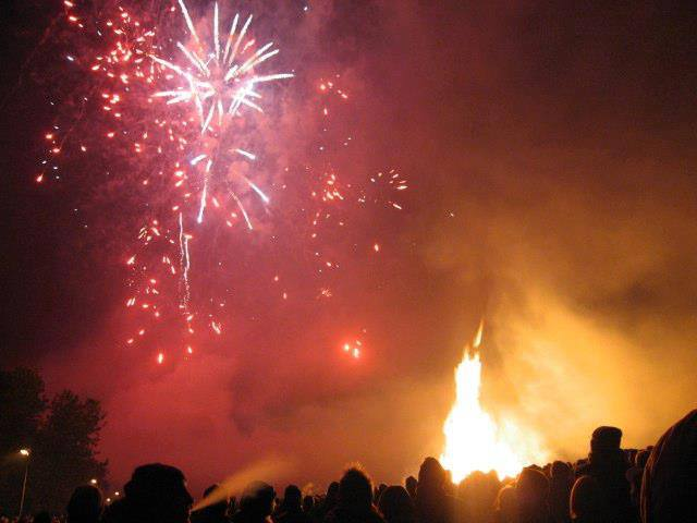 Deer's Glade Annual Charity Fireworks Night & Candlelit Procession 2017