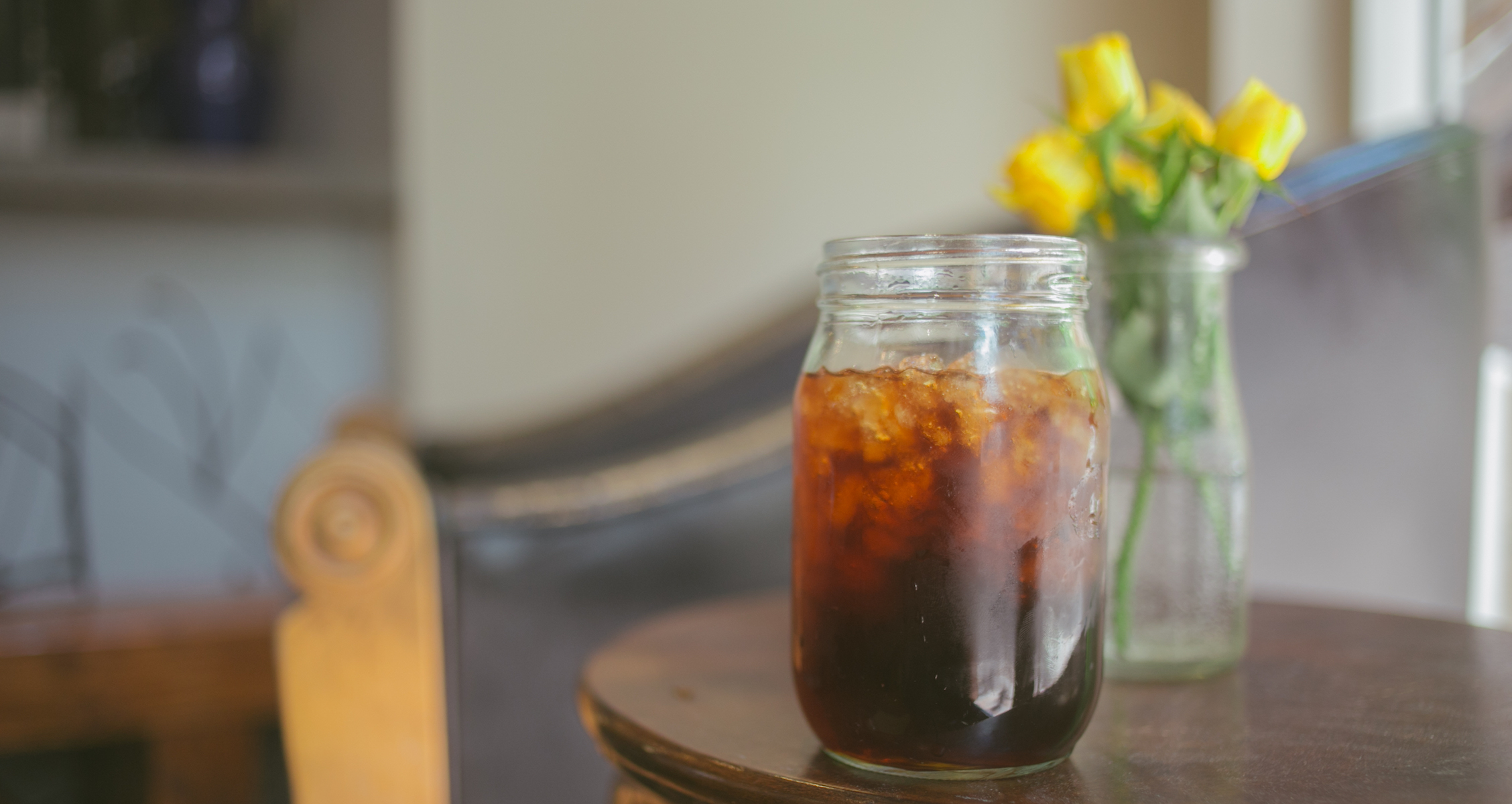 www.handground.com/grind/beginners-guide-to-cold-brew-coffee-recipes-tips-from-the-pros