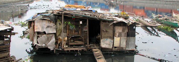 Slums & makeshift housing in the Philippines