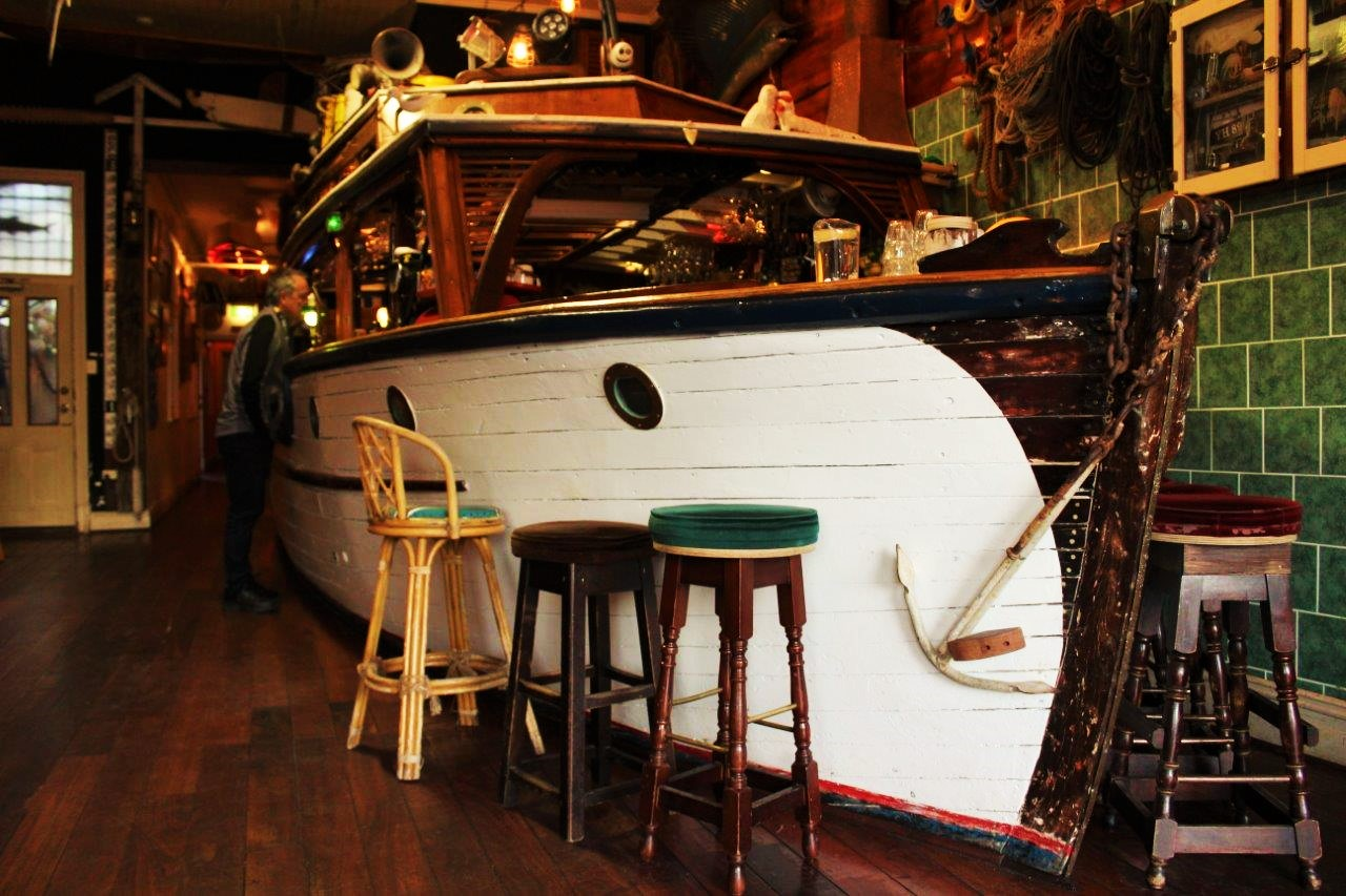 Rodney's Bait n' Tackle boat bar