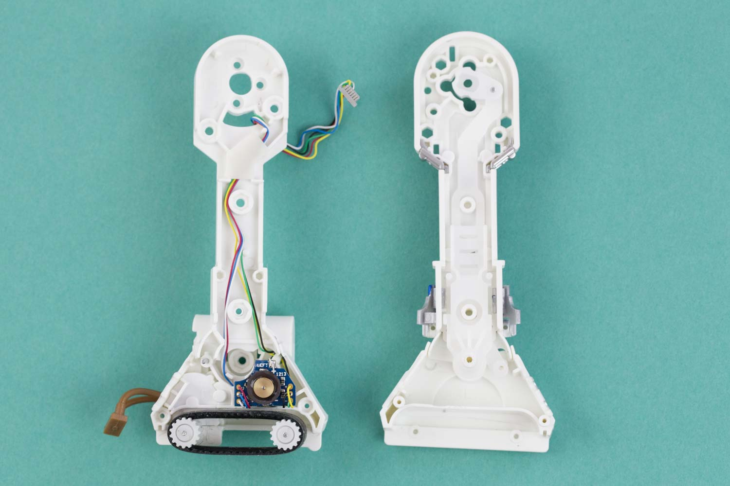 CAMs and motors inside sphero R2-D2 legs