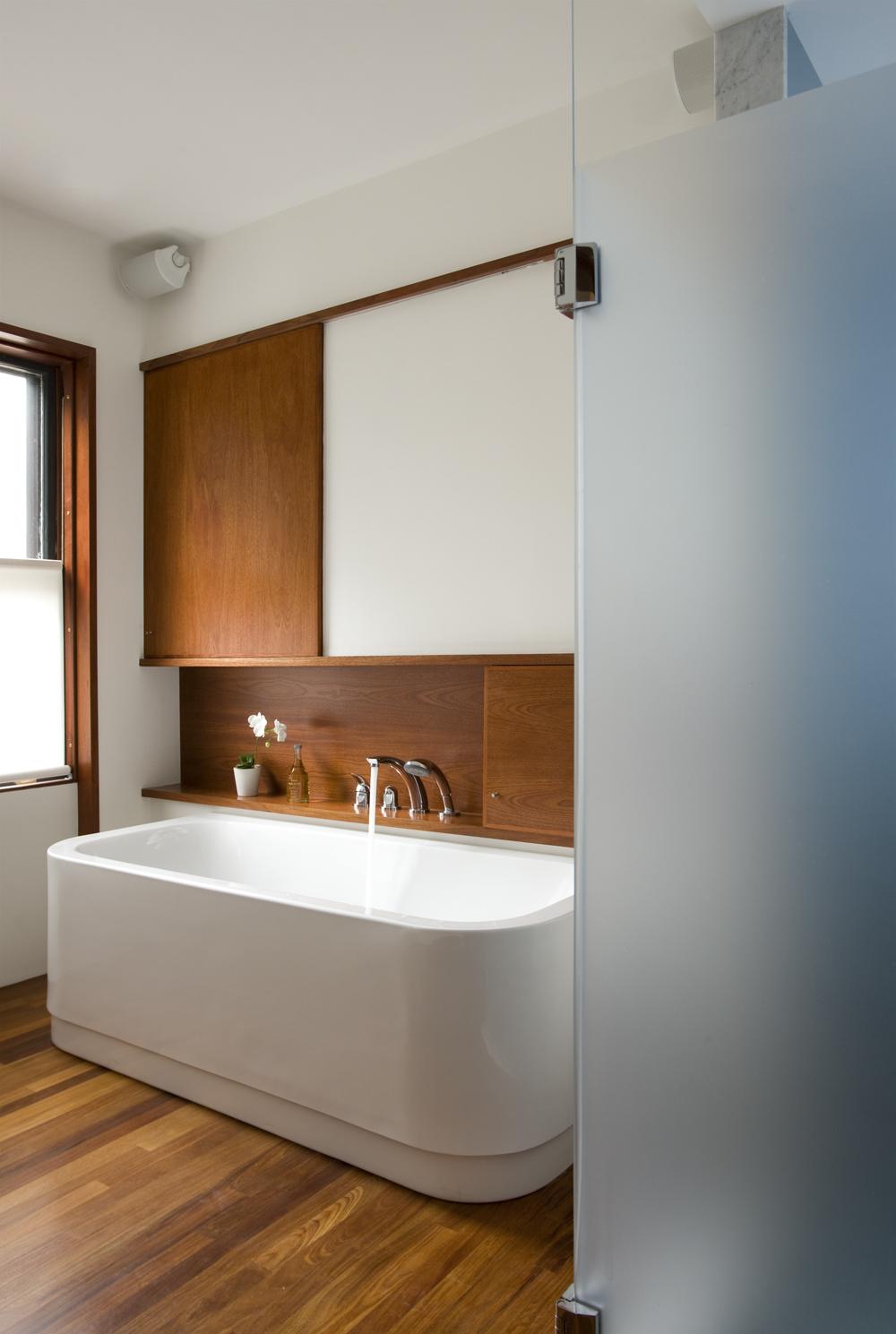 Boston Architects BUTZ + KLUG architecture Contemporary renovation Brookline MA Bath