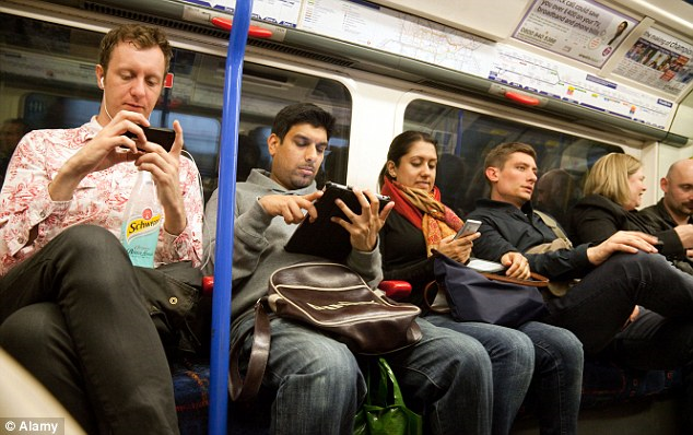 Social Gaming on the Tube