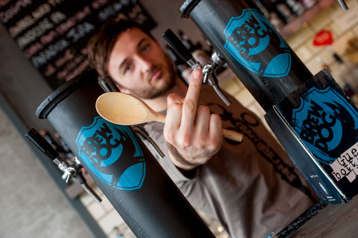Serveur au bar BrewDog