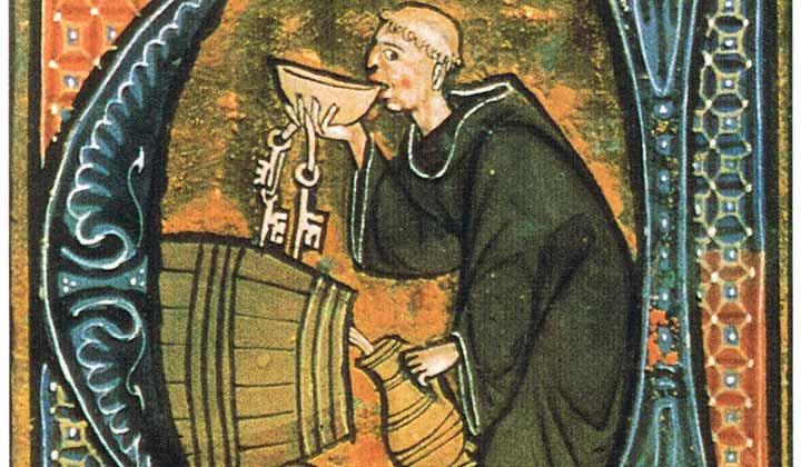 Moine buvant de bière au tonneau