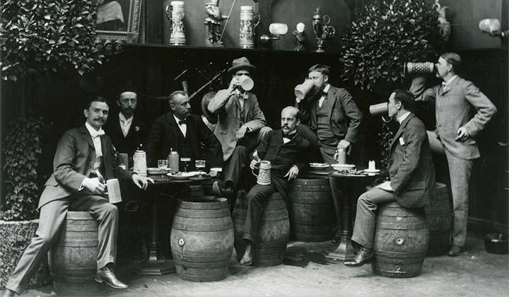 Afterwork à New-York avec des choppes de bière en céramique