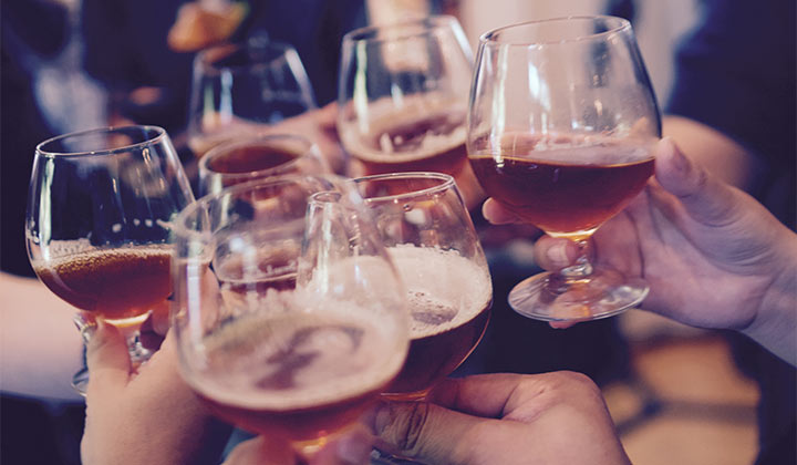 Dégustation de craft beer entre amis