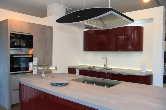 runde rote küche ? küche und raum - Küche Beschreibung