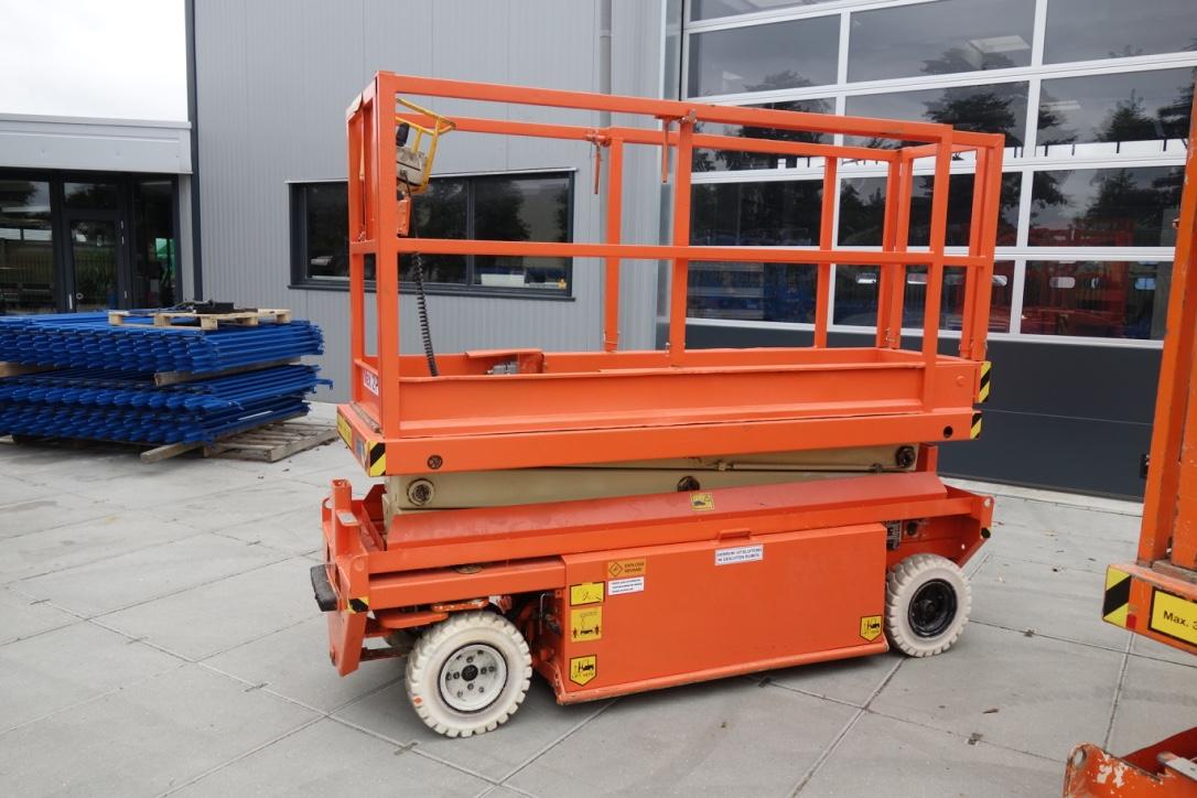 Holland Lift Y64EL8 Schaarhoogwerker