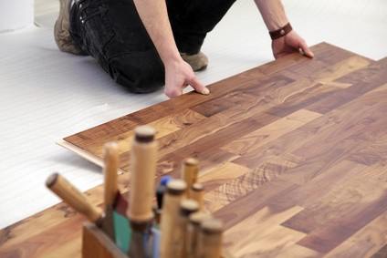 pose de parquet flottant sur plancher chauffant le. Black Bedroom Furniture Sets. Home Design Ideas