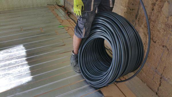 pose plancher chauffant Lyon DM Projet : pose du tuyau à Lyon
