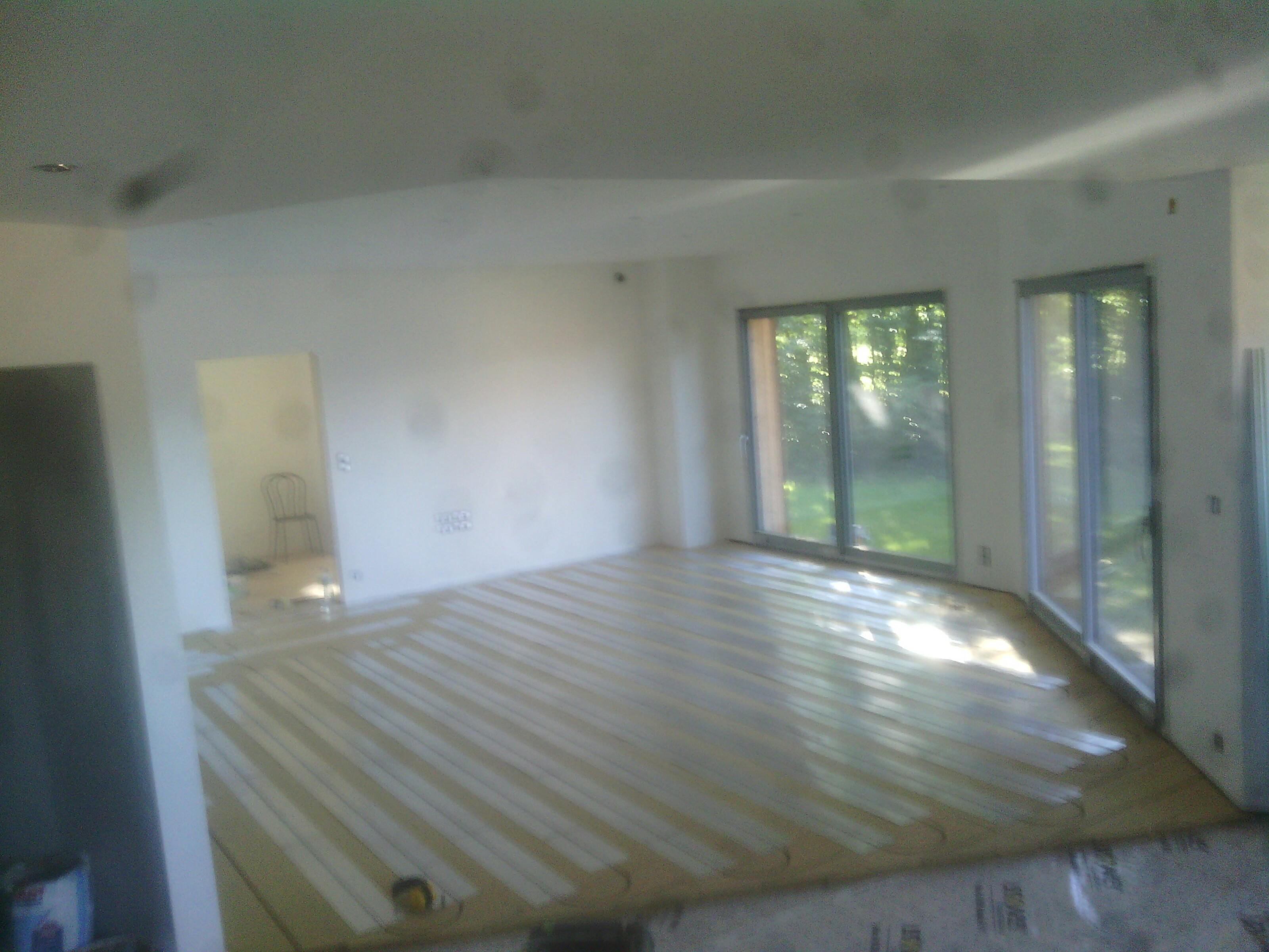 Pose de carrelage sur plancher chauffant le plancher chauffant par caleosol for Plancher chauffant renovation carrelage