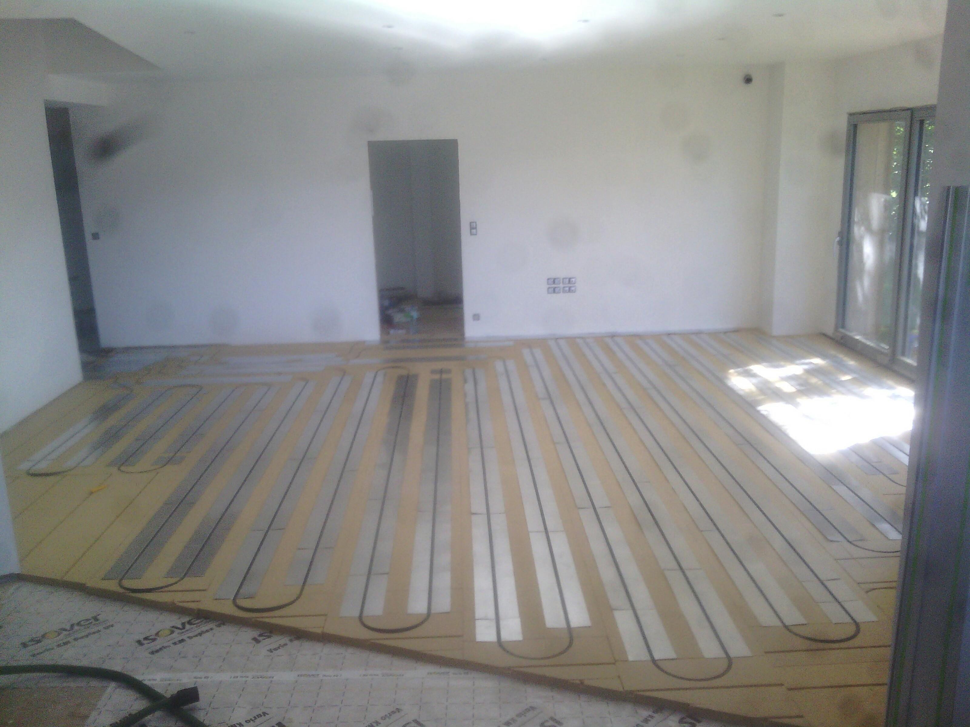 80300 Grandcourt : Pose plancher chauffant RT2020  - vue d'ensemble