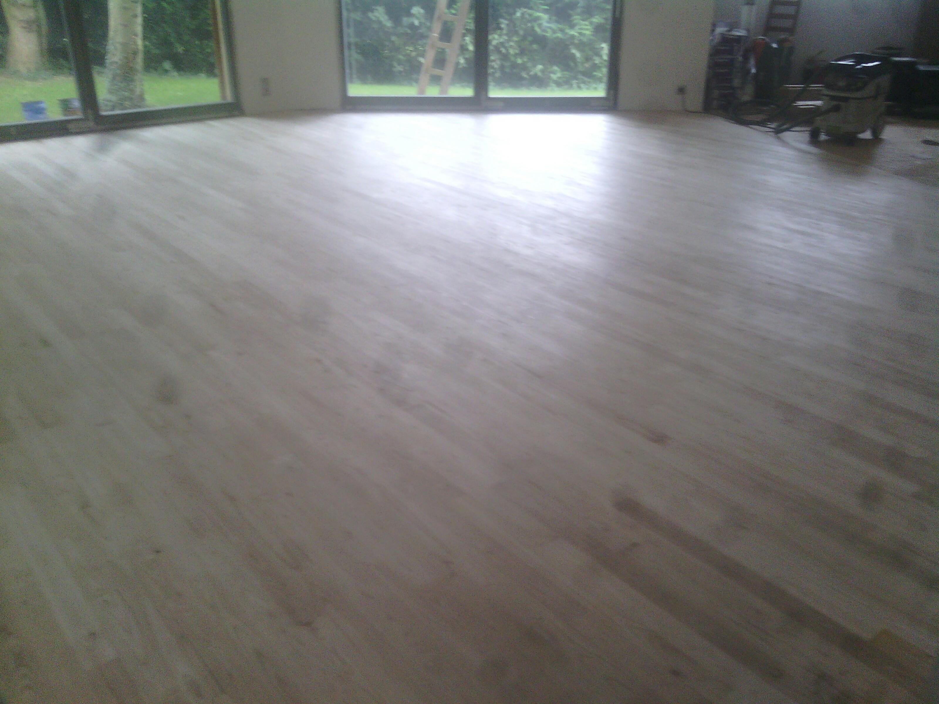 80300 Grandcourt : Pose plancher chauffant RT2020t - finition parquet
