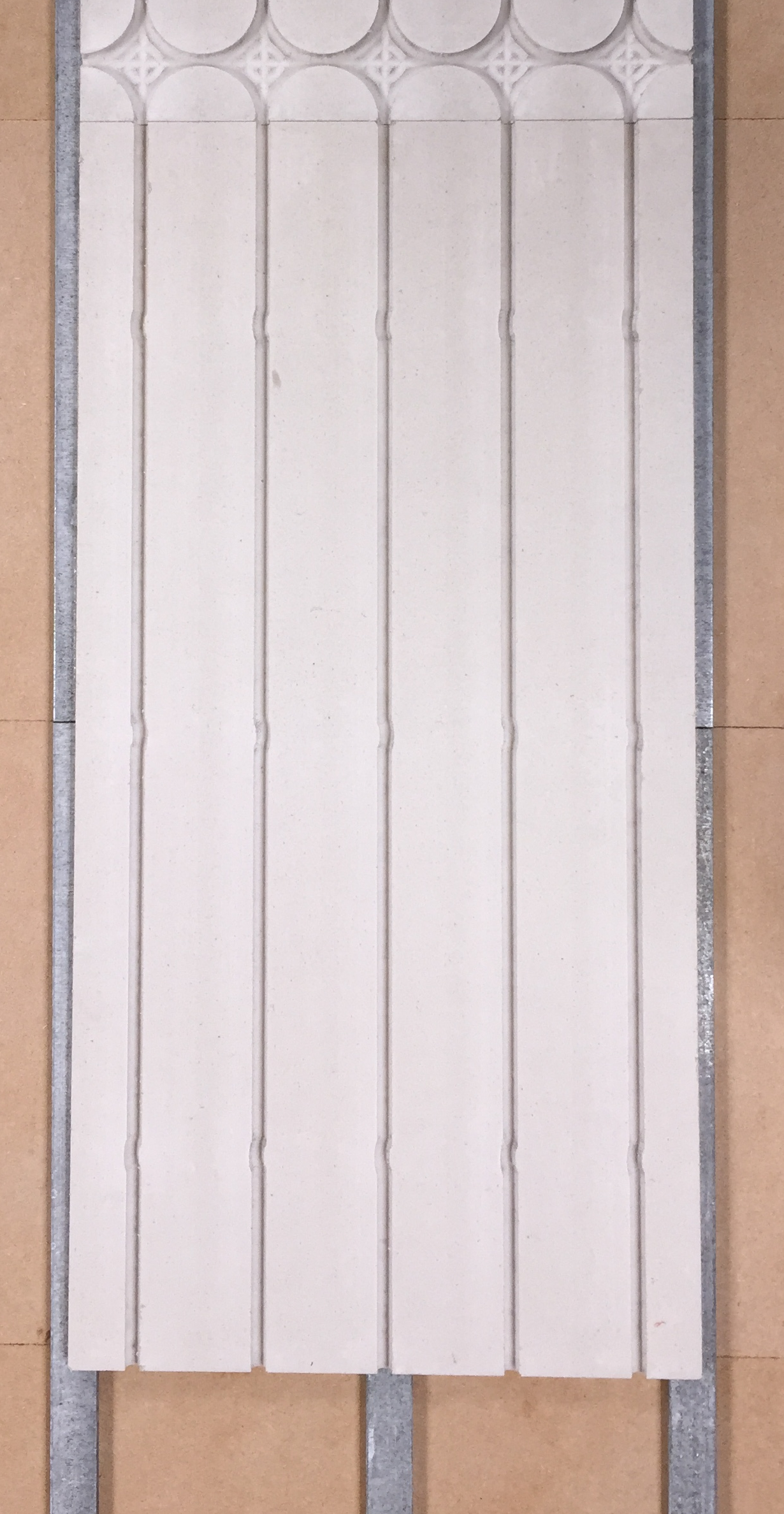 Mur chauffant Caleosol pur Gype sur ossature metallqiue fourrure pose plaques en vertical