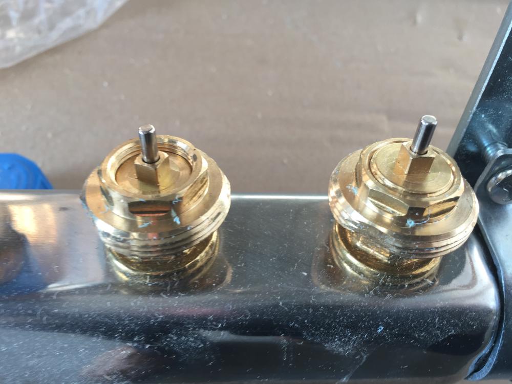 Réglage de course de l'aiguille pour utilisation micro-moteur ou actuateur