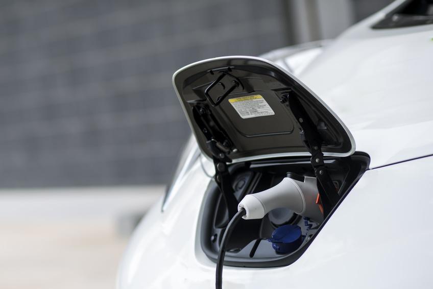 ombrière solaire photovoltaïque pour voiture électrique