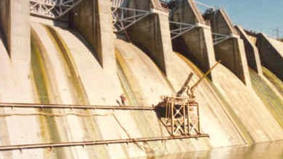 Nicholson installing anchors at Shepaug Dam