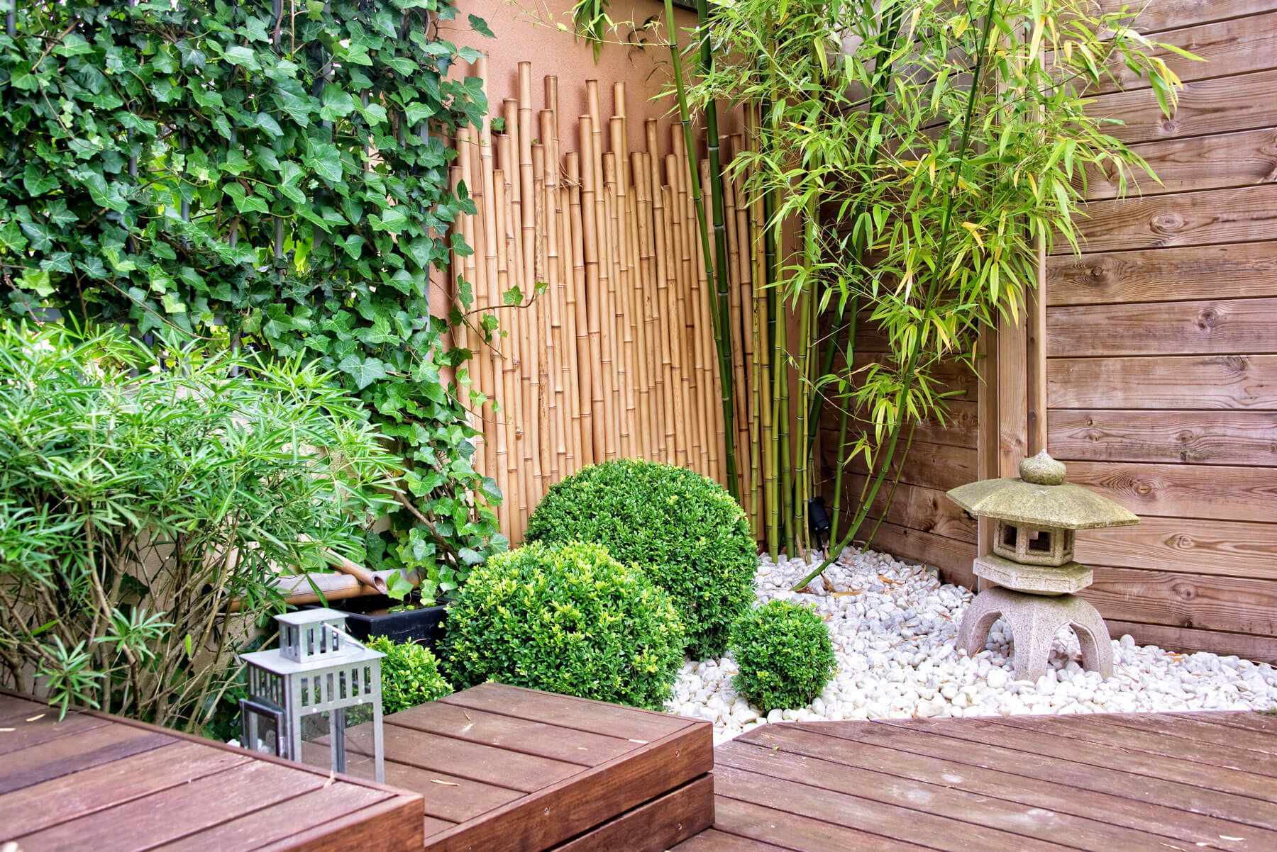 Curious About Using Pebbles And Stones In The Yard, But Not Sure Where To  Begin? Besides Adding A Touch Of Creative Edge, Pebbles, Stones And Rocks  Actually ...