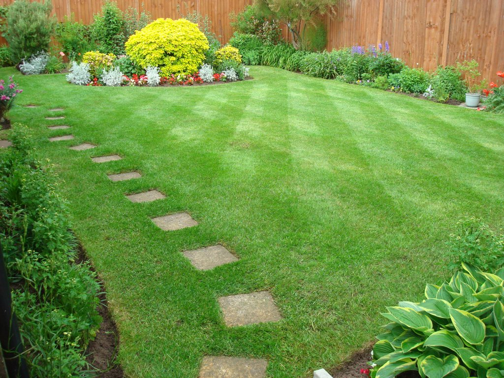Gardening services north london j s gardening for Gardening and landscaping services