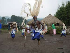 trip193_7_ruanda_ibyi'_stammestanz