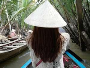 trip182_8_vietnam_frau_boot