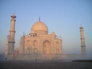 trip89_Indien_Taj-Mahal_Nebel