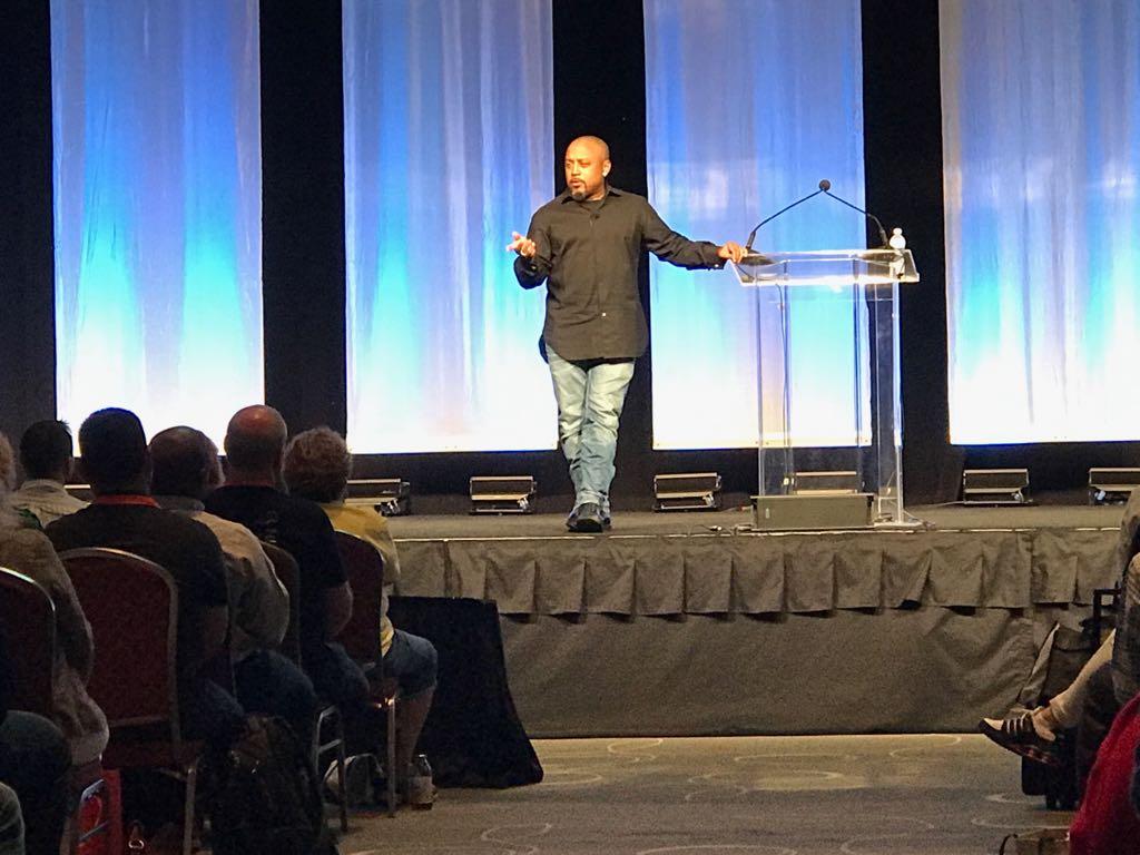Diamond John, CEO & Founder da FUBU em sua palestra na Accountex USA 2017