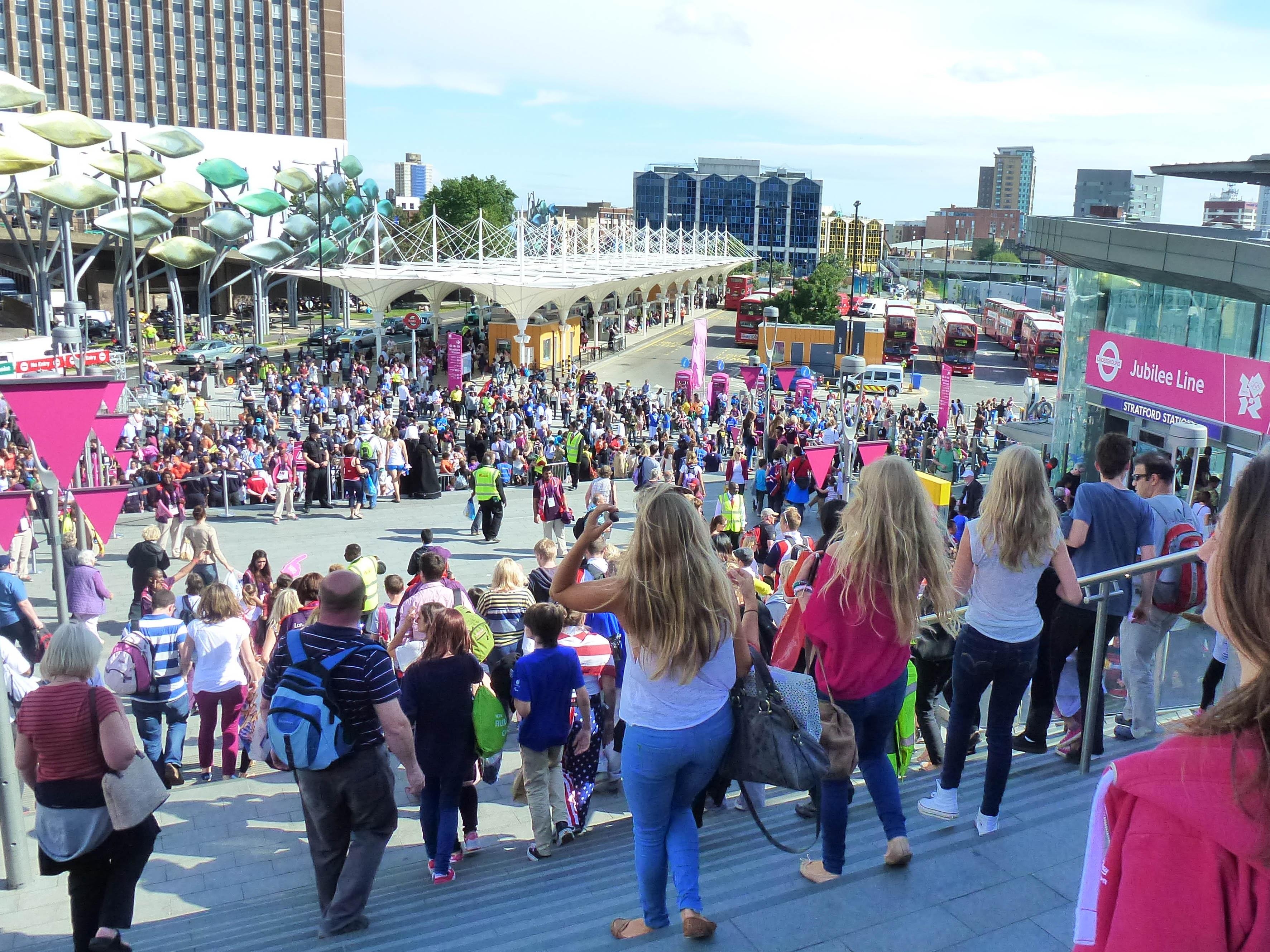 Crowd movement towards Stratford Station