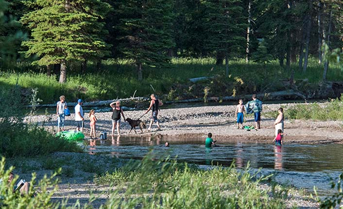 Families at the park. Photo courtesy of Roger Dey and the Blackfoot Valley Dispatch.