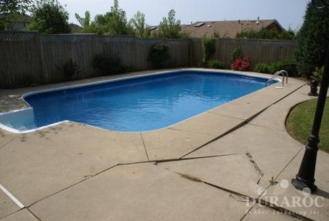 Contour de piscine en béton
