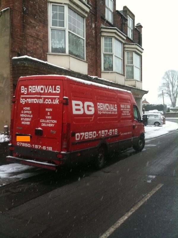 Removals to Derby Small move in the snow